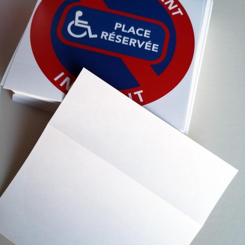 Interdiction de stationner sur les places réservées aux handicapés